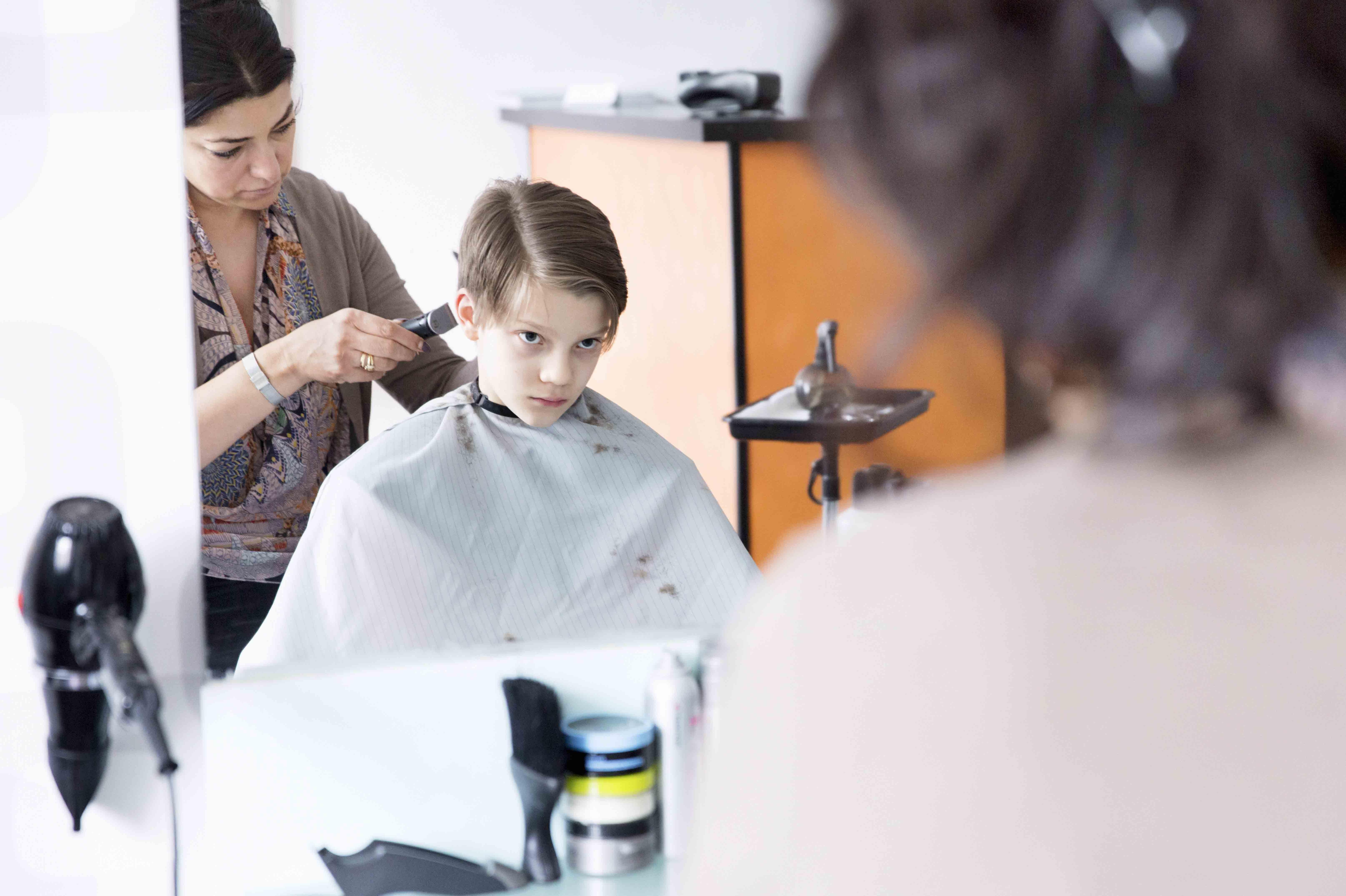 OsloMet har utviklet et smittevernkurs for frisør- og velværenæringen.